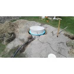 Šachta pro vrtanou studnu nízká